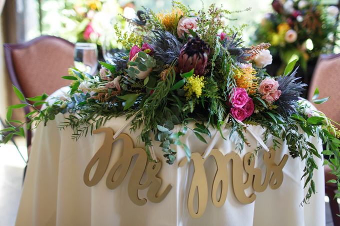 Wedding Floral Design by Mums N' Roses // The Majestic Yosemite Hotel - photo by Steve Dutcher Photography