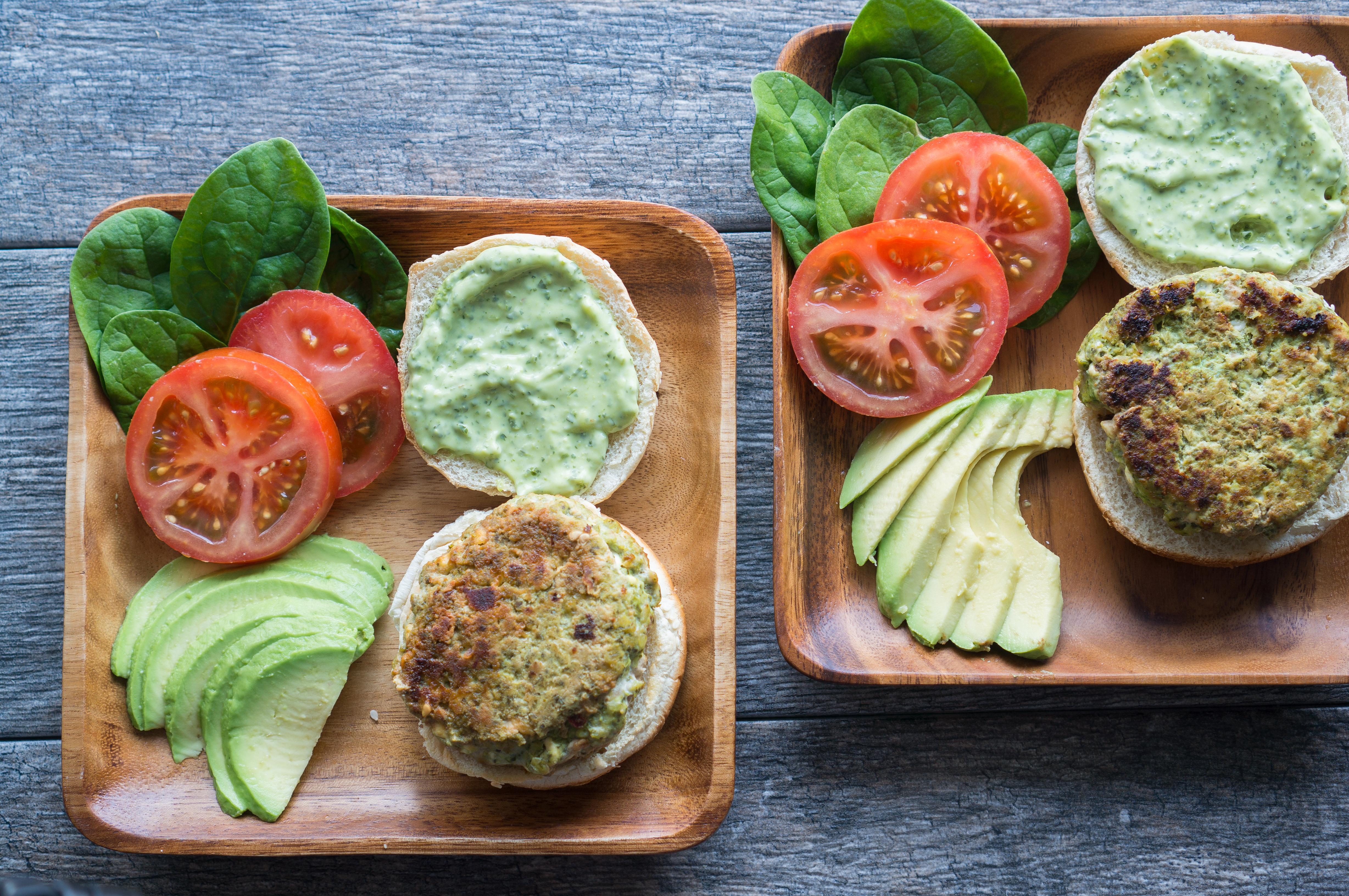California Turkey Burgers – This healthy recipe for California Turkey Burgers with an easy pesto spread comes together in under 30 min! Enjoy on a salad, in a lettuce wrap, pita pocket, or sandwiched between sesame buns. These gluten-free patties use simple wholesome ingredients like lean ground turkey, basil pesto, low-fat cottage cheese, and coconut oil. We love stacking these with crisp fresh tomatoes, sliced avocado, and crispy bacon! ♥ | freeyourfork.com