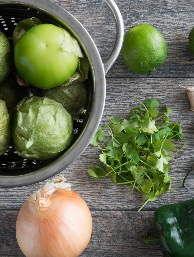 Creamy Tomatillo Green Sauce Ingredients