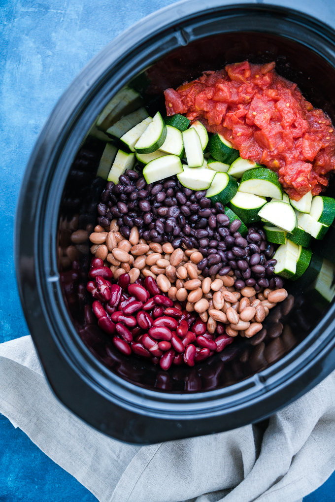 3-Bean Slow Cooker Turkey Chili - Healthy recipe for 3-Bean Slow Cooker Turkey Chili! Using fresh vegetables, canned beans, lean ground turkey, and savory spices. Gluten free & high-protein! freeyourfork.com