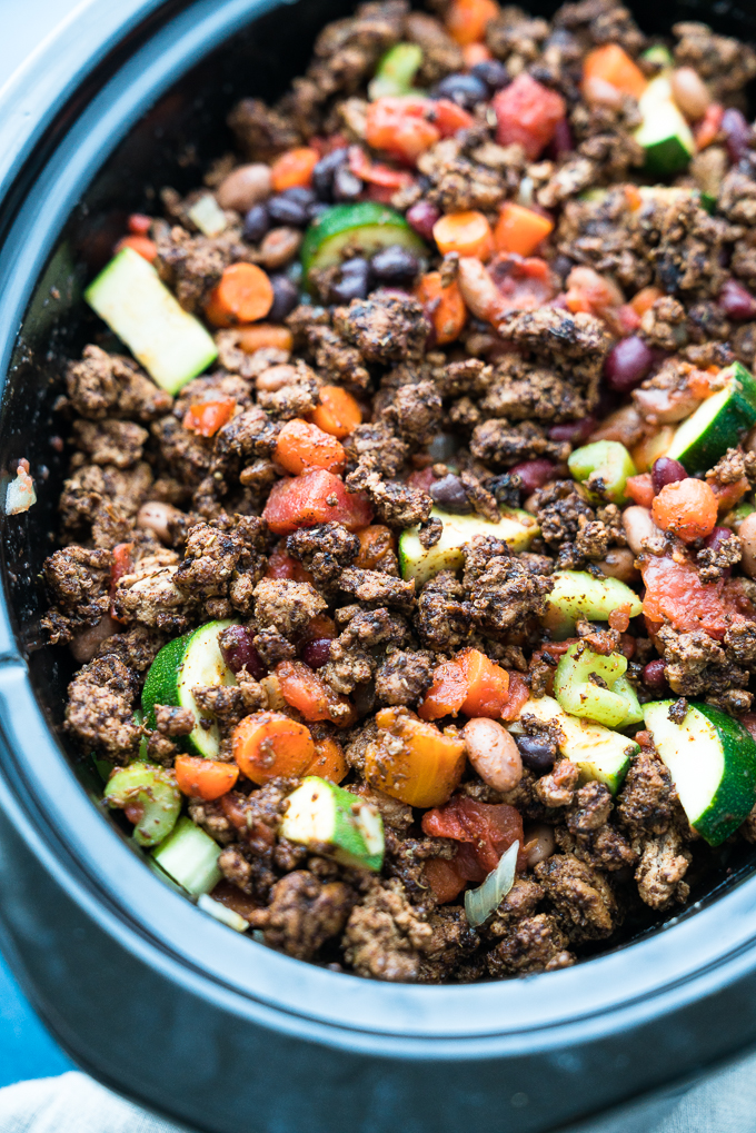 3-Bean Slow Cooker Turkey Chili - Healthy recipe for 3-Bean Slow Cooker Turkey Chili! Using fresh vegetables, canned beans, lean ground turkey, and savory spices. Gluten free & high-protein! freeyourfork.com